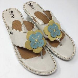 Born Wedge Sandals Size 10